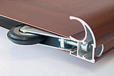 Монтаж роликов для раздвижных дверей шкафа купе